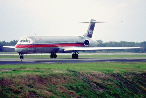 10bp - USAir MD-82; N824US@TPA;27.01.1998