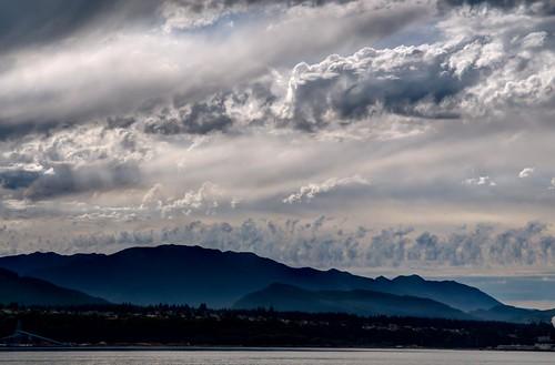 cloud seagulls storm beach nikon wind sigma bluesky roadside 1020mm d300 straitofjuandefuca thehook 2011 thespit edizhook nikkor1755mmf28g portangeleswaharbor cordan flickrgolfclub