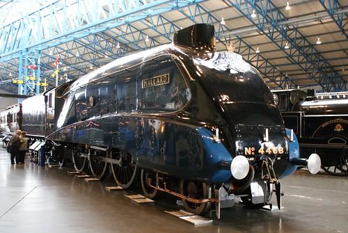 'Mallard' 4-6-2 A4 Pacific class, No 4468,