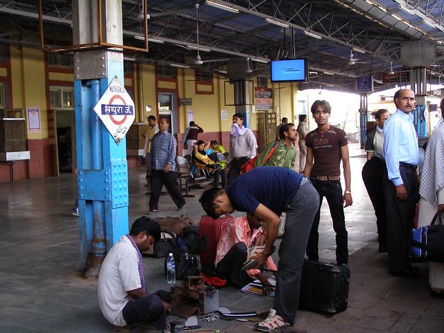 火车站的鞋匠