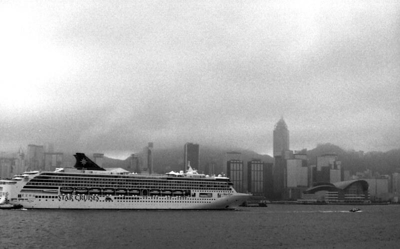 Cruise liner 游輪, Victoria harbour 維多利亞港