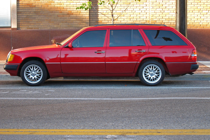 Car looking mercedes benz 300te 4matic wagon 1991 for Looking for used mercedes benz