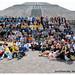 Todos los coros frente a la pirámide del sol en Teotihuacán