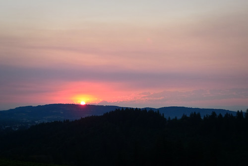 sun mountains oregon sunrise dawn skies smoke mthood newberg