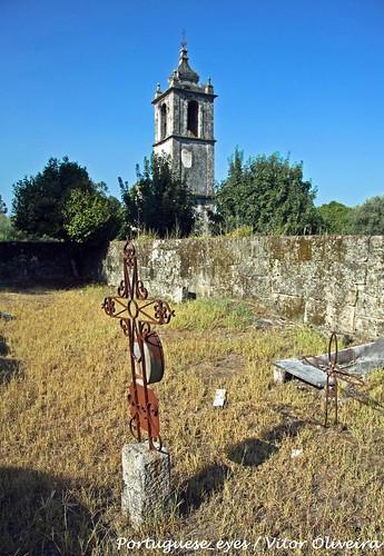 Ruínas do Antigo Cemitério e da Antiga Igreja Matriz de São Miguel do Mato - Portugal