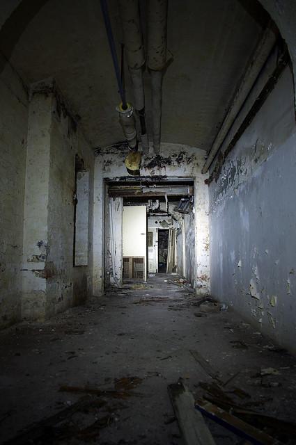 dark dark basement flickr photo sharing