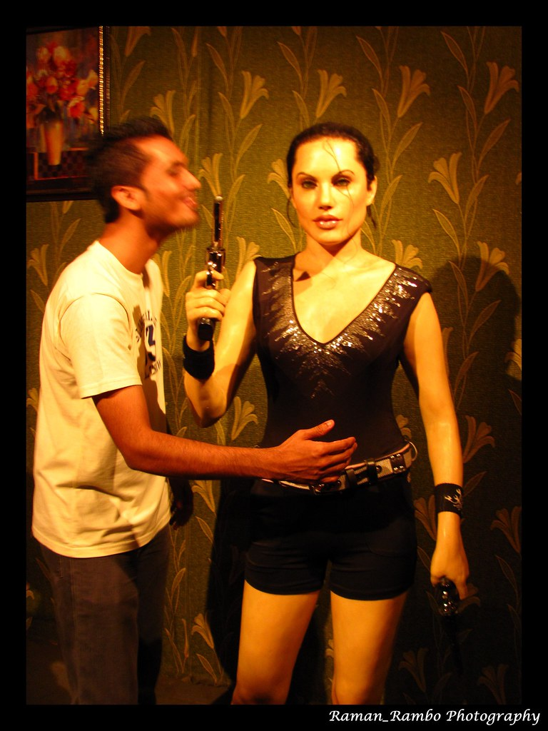 Lonavala - Wax Museum (Mannu with Angelina Jolie)