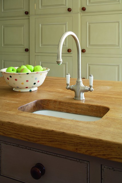 Kitchen Island Sinks And Faucets