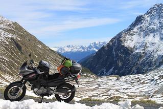 Suzuki XF650 Freewind in the Alps