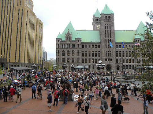 Crowd at OccupyMN protest in Minneapolis: Day 1 | by Fibonacci Blue