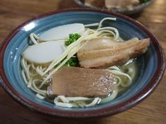 月, 2011-10-03 11:44 - そば(中)