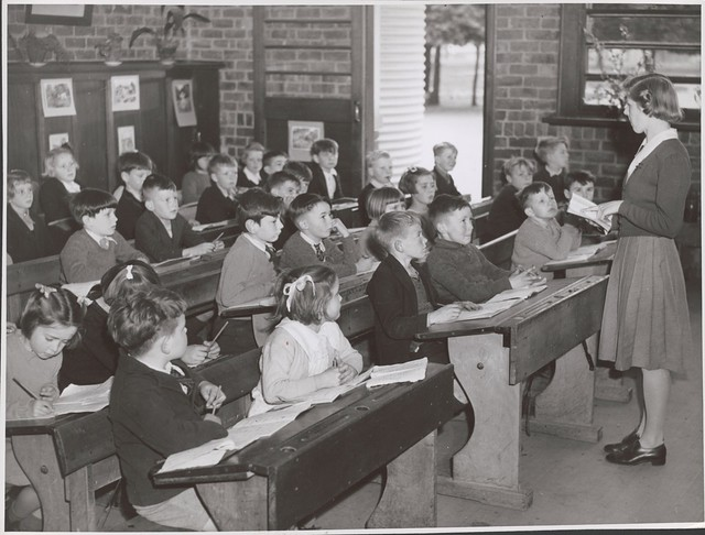 Teacher, Lorraine Lapthorne conducts her class in the Grade Two room at the Drouin State School, Drouin, Victoria from Flickr via Wylio