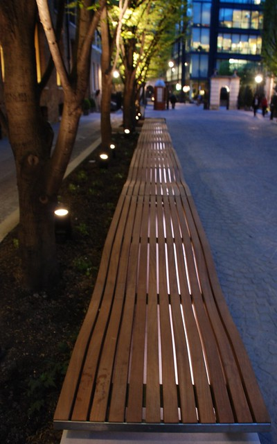 Contemporary Furniture Manufacturers on Contemporary Urban Street Furniture Curvy Street Furniture Pendlewood
