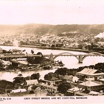 518. Grey Street Bridge and Mt. Coot-tha, Brisbane (1930s)