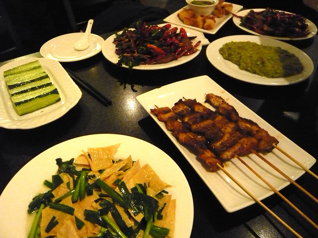 Delicious Local Eats in Lively and Sultry Shanghai