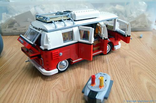 mod 10220 volkswagen t1 camper van motorized lego. Black Bedroom Furniture Sets. Home Design Ideas