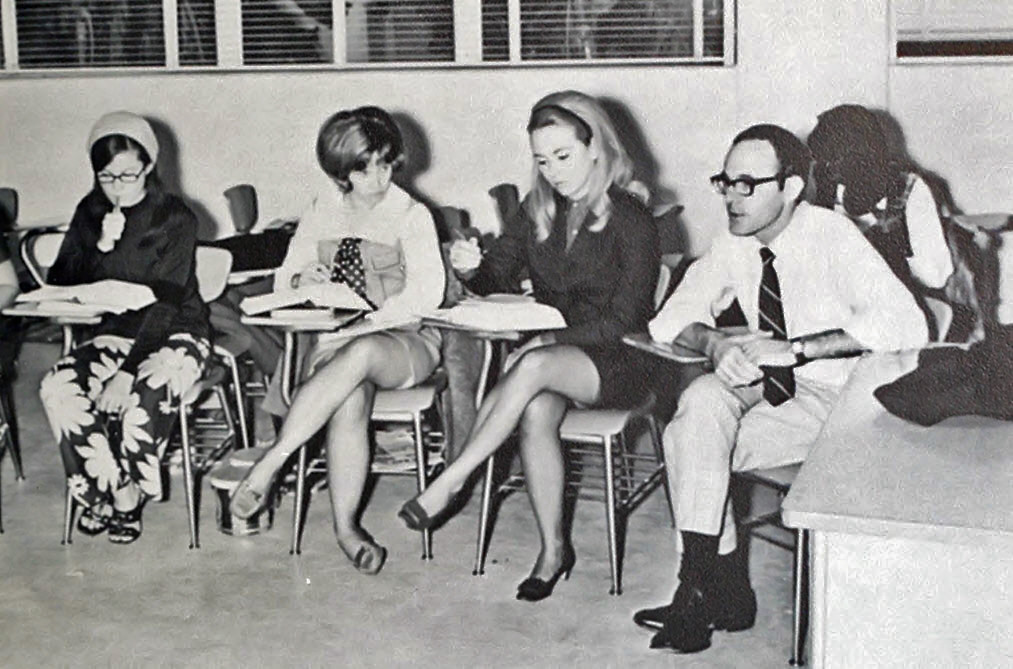 Retrospace: Mini Skirt Monday #127: Minis on Campus (Part 5)