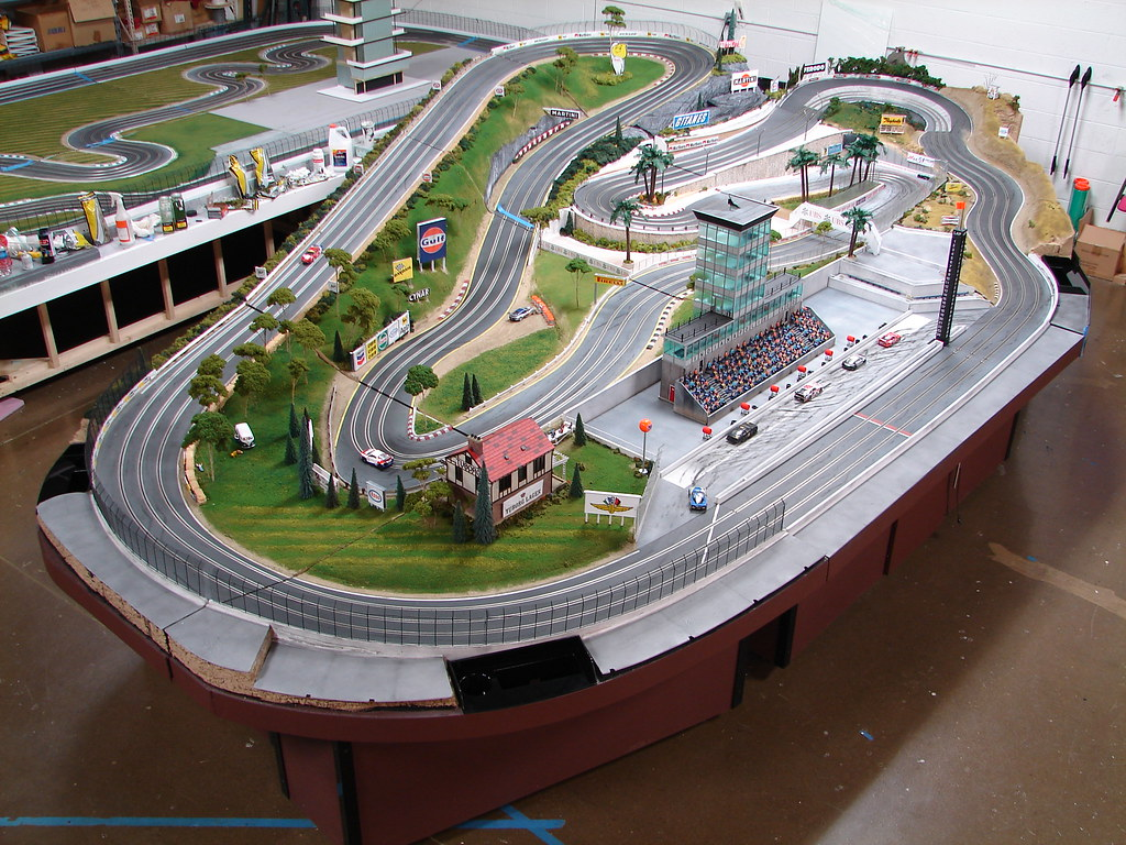 Page 2 furthermore Ex le7 additionally Homemade Cars Race in addition 7C 7C  slotcarsillustrated   7Cmisterconey ho scenery 7CAURORA HO MODEL ACCESSORIES 652 PLASTIC COLONIAL HOUSE KIT IV also Tiki Index. on tyco 4 lane slot track layout design