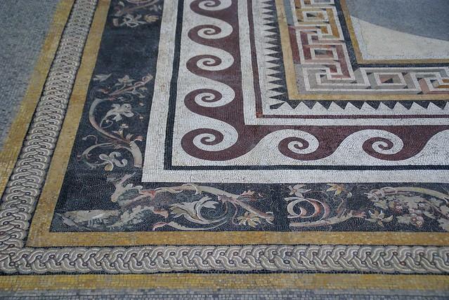 berlin pergamonmuseum mosaik aus einem pergamenischen palast mosaic of a pergamene palace. Black Bedroom Furniture Sets. Home Design Ideas