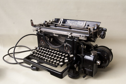 mercedes elektra typewriter. Black Bedroom Furniture Sets. Home Design Ideas