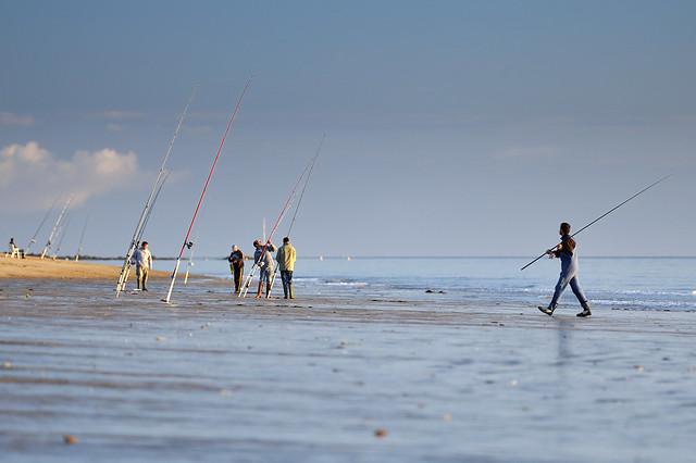 Les tentes pour la pêche dhiver le parapluie ekaterinbourg