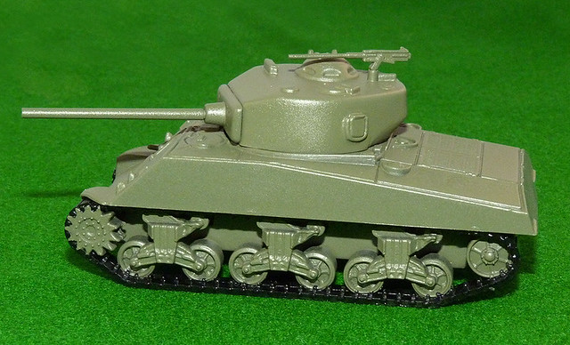 Armourfast M4A3 Sherman - glossed primer coat