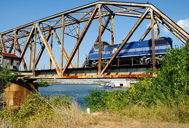 T N Railroad Through Truss Swing Bridge Over Buffalo Bayou, Just Above Houston Ship Channel Turning Basin, Houston, Texas 0910111609
