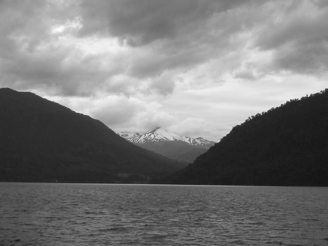 Lago Todos Los Santos: monochrome