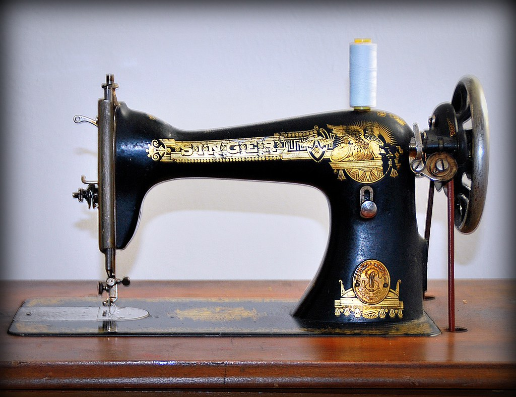 how to a singer sewing machine