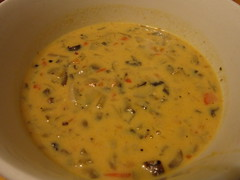 gravy, meal, curry, tarhana, corn chowder, bisque, clam chowder, food, leek soup, dish, soup, cuisine,