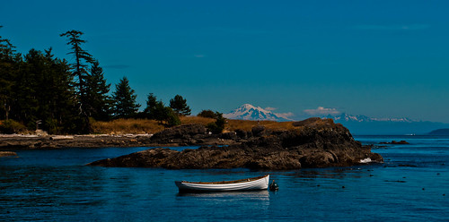 ocean sea mountain canada island boat britishcolumbia gulfislands seashore mtbaker penderisland