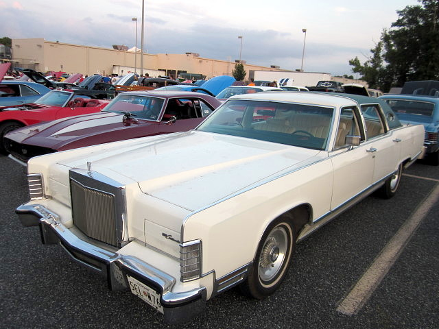 1979 lincoln continental town car flickr photo sharing. Black Bedroom Furniture Sets. Home Design Ideas