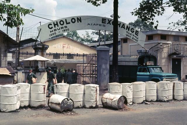 Saigon 1968 - Cholon PX trên đường Nguyễn Tri Phương
