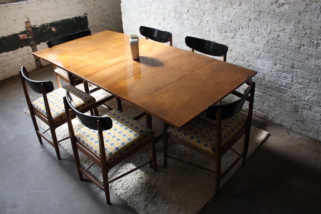 Attrayant Versatile American Of Martinsville MCM Walnut Drop Leaf Dining Table