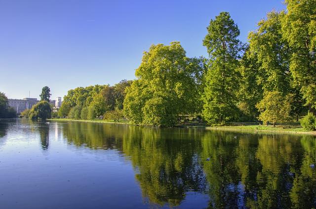 London Autumn reflections