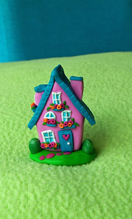 fimo cute romantic house pendant1