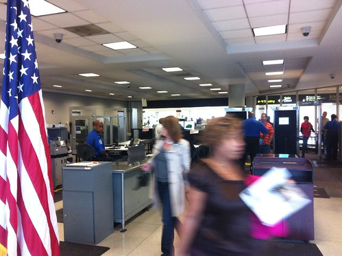 Tsa security checkpoint3