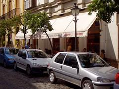 automobile(1.0), peugeot(1.0), vehicle(1.0), land vehicle(1.0), peugeot 106(1.0),