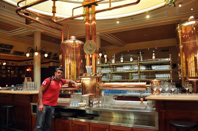 Vieja cervercería en el interior donde se hacían las primeras cervezas por los monjes de la orden de Paulaner. Paulaner y el arte de la cerveza de Munich - 6175550803 5f63b395e7 z - Paulaner y el arte de la cerveza de Munich