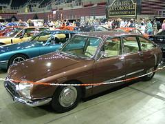 executive car(0.0), performance car(0.0), sedan(0.0), sports car(0.0), automobile(1.0), vehicle(1.0), automotive design(1.0), citroã«n gs(1.0), antique car(1.0), classic car(1.0), land vehicle(1.0), luxury vehicle(1.0),