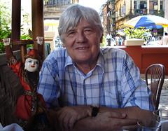 Barmanista Jan Bečka o politických mniších i kokosech s červeným turbanem