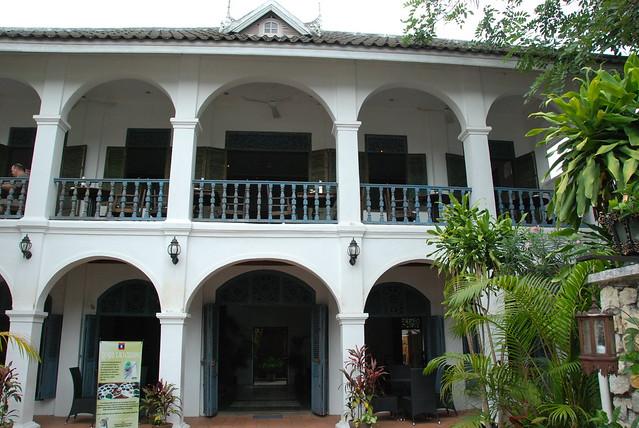 luang prabang belle maison de style colonial flickr photo sharing. Black Bedroom Furniture Sets. Home Design Ideas