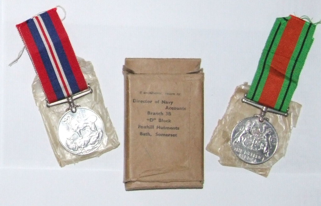 WW2 Pair - Fleet Air Arm | This WW2 pair of War Medal and De