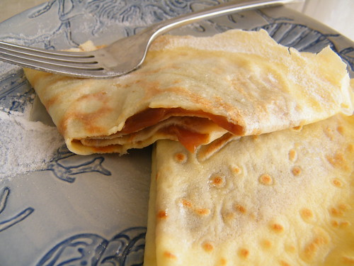 Panqueques de Dulce de Leche | Crepes with Dulce de Leche by katiemetz, on Flickr