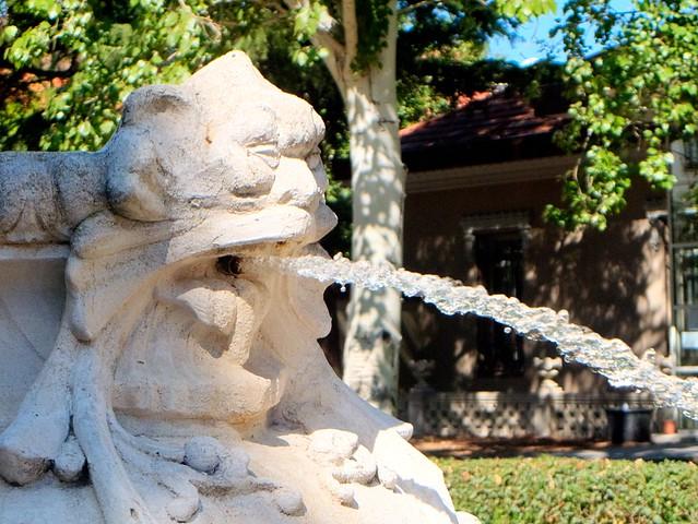 Parque fuente del berro detalle fuente flickr photo for Piscina fuente del berro