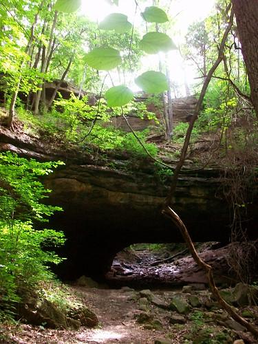 spring central cave lakeoftheozarks ce q2 motour quarter2 hahatonkastatepark missouritourism picturemissouri picturemo