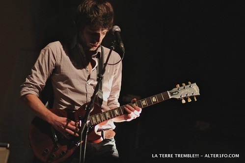 2011-10-06-LA_TERRE_TREMBLE-alter1fo-3