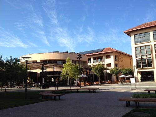Knight Management Center, Stanford