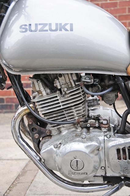 Suzuki TU250X Motorcycle, Motorbike, 2000 Model in Silver (engine left side)