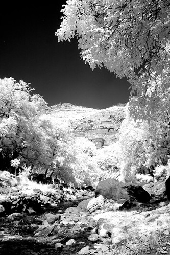 bw white black trekking landscape ir eos reisen flickr day view im outdoor morocco infrared atlas 20mm gps canoneos300d wikinger hohen 1204t